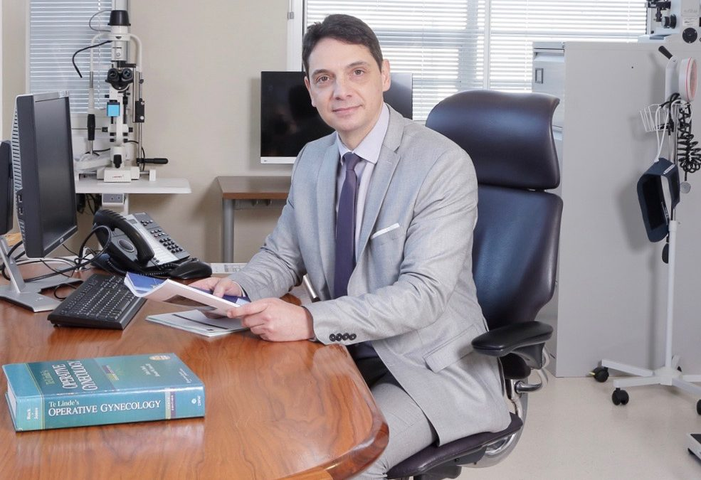 Mr Philippe de Rosnay – Consultant Gynaecologist